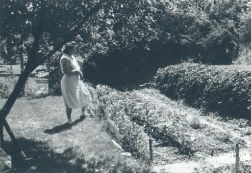 Mom garden - Copy